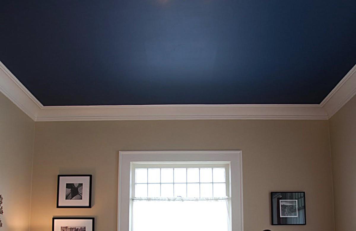 Синий матовый натяжной потолок
