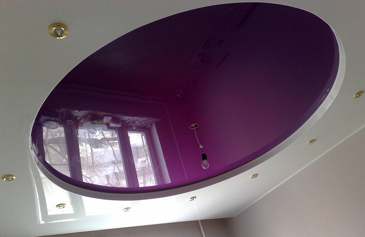 Фиолетовый глянцевый двухуровневый натяжной потолок